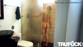 Gianna Lynn gets sex scene