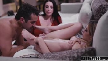 Horny Jasmine Luna Gold having her ass fucked in threesome