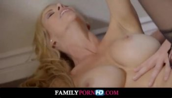 Slim angel gives hunk a provocative shlong riding