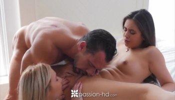 He bangs busty blonde Jordan Pryce and cums on her big boobs